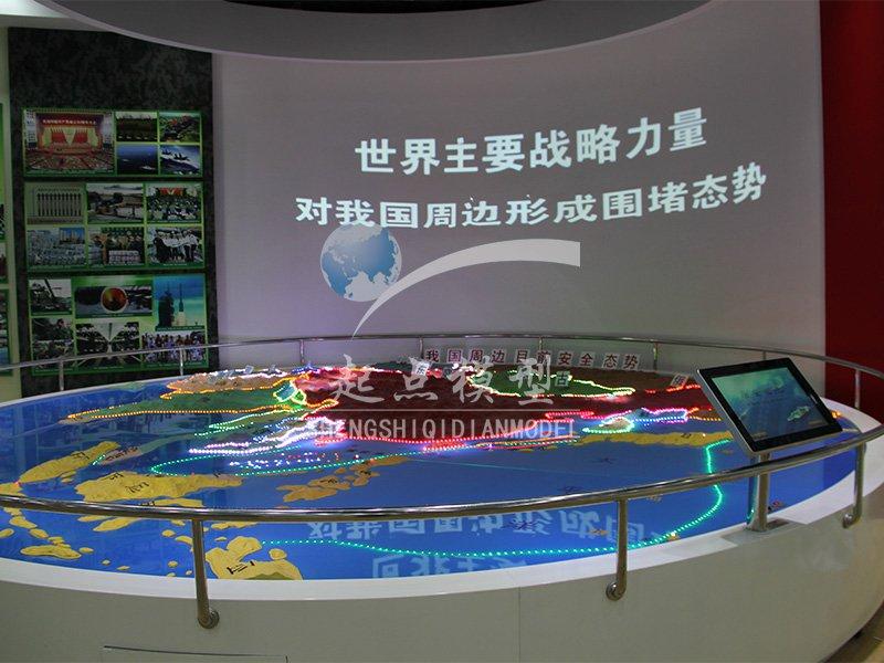 北京盛世起点注册送38彩金- 天津高炮师军事展示沙盘